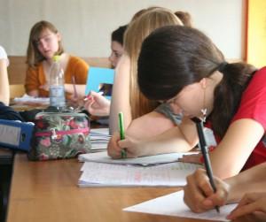 Während der SAB-Stunden bearbeiten die Schüler eigenständig ihre Aufgaben.