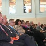 Die Ehrengäste verfolgten das sportlich-musikalische Rahmenprogramm.