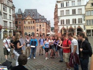 Nachdem die Schüler zunächst die Daten in der Innenstadt sammelten...