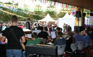 Die Bigband eröffnete den offiziellen Festakt musikalisch.