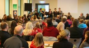 Schüler der Bigband eröffneten den Schnuppernachmittag musikalisch.