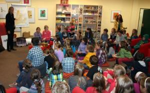 Gisela Kalow war zu Gast in der Schulbibliothek des FSG.