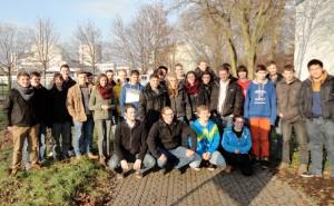 Die Physik-Schüler beim Besuch des Atomkraftwerks Biblis.