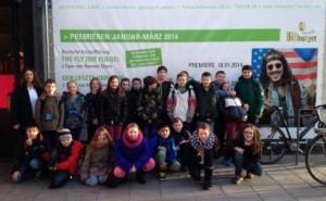 Die Schüler der 5b beim Ausflug ins Theater Trier.