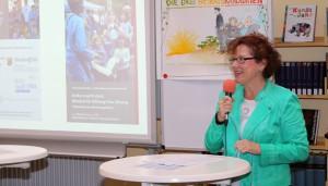 ADD-Präsidentin Dagmar Barzen am FSG.