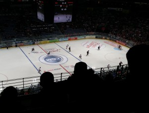 Am Abend zuvor zählte der Besuch eines Eishockey-Spiels zu den sportlichen Highlights.