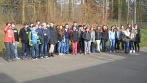 Deutsche und Franzosen beim gemeinsamen Gruppenfoto am FSG.