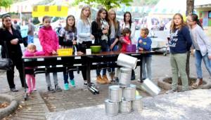 Dosenwerfen beim Lampionfest 2015.