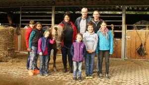 Die Teilnehmer des Workshops auf dem Pferdezentrum Bodenhof bei Trier.