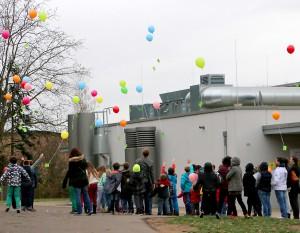 Luftballonstart zum Ende der Veranstaltung.