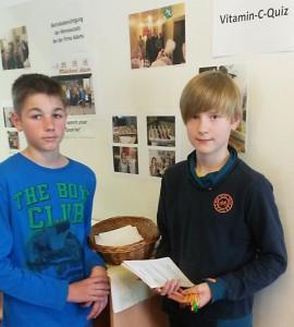 Beim Vitamin-C-Quiz mussten die Schüler Obstsorten nach ihrem Vitamin-Gehalt sortieren.