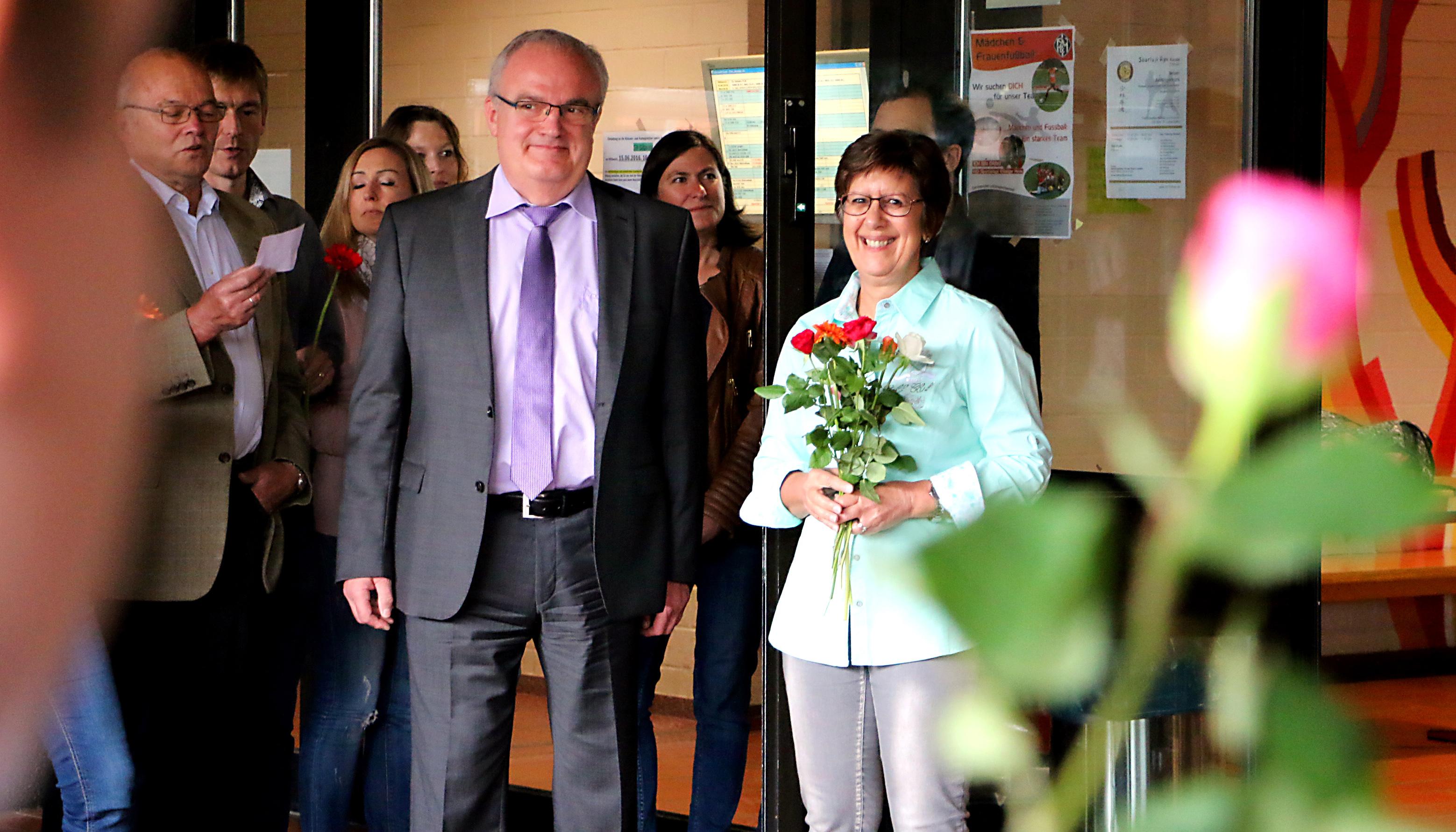 Friedrich spee gymnasium trier blumen zum abschied von for Uberraschung zum ruhestand