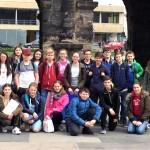 Die Klasse 7a bei ihrer Umfrage in der Stadt Trier.