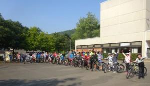 Die Radfahrer bei ihrer Rückkehr ans FSG.