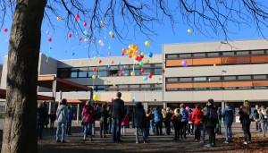 """Den Abschluss beim """"Tag der offenen Tür"""" bildete ein Luftballonwettbewerb."""