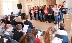 Schüler des FSG umrahmten die Präsentation musikalisch.