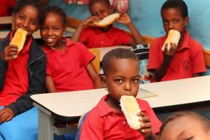 In unserer Partnerschule beginnt der Tag mit einem gemeinsamen Frühstück.