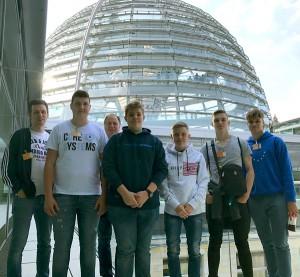 Die FSG-Gruppe bei der Besichtigung des Reichstaggebäudes.