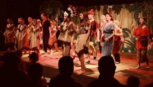 """Die Schüler der Musical-AG bei der Aufführung von """"Peter Pan""""."""