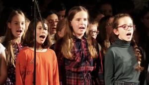 Beim Weihnachtskonzert in der Aula traten auch in diesem Jahr wieder viele Solisten auf.