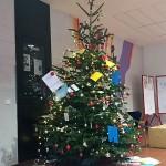 Unser FSG-Weihnachtsbaum im Jahr 2020.